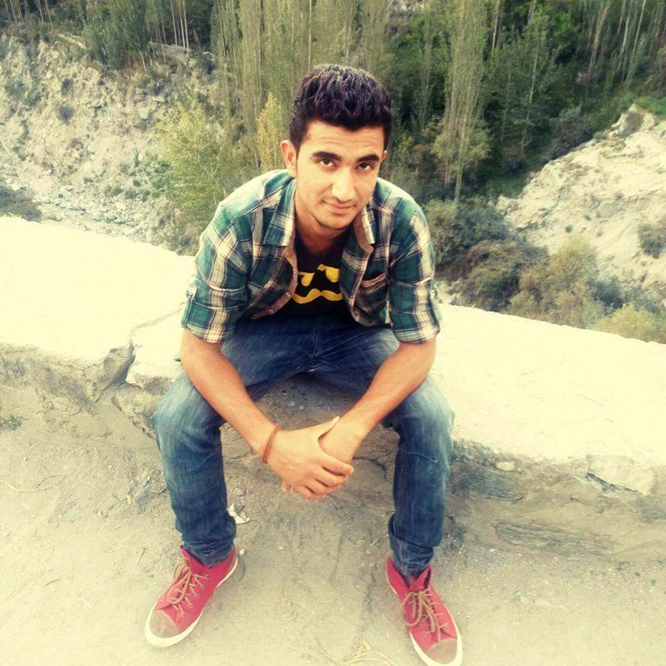 Zuhaib Ahmed - KKH accident in Hunza